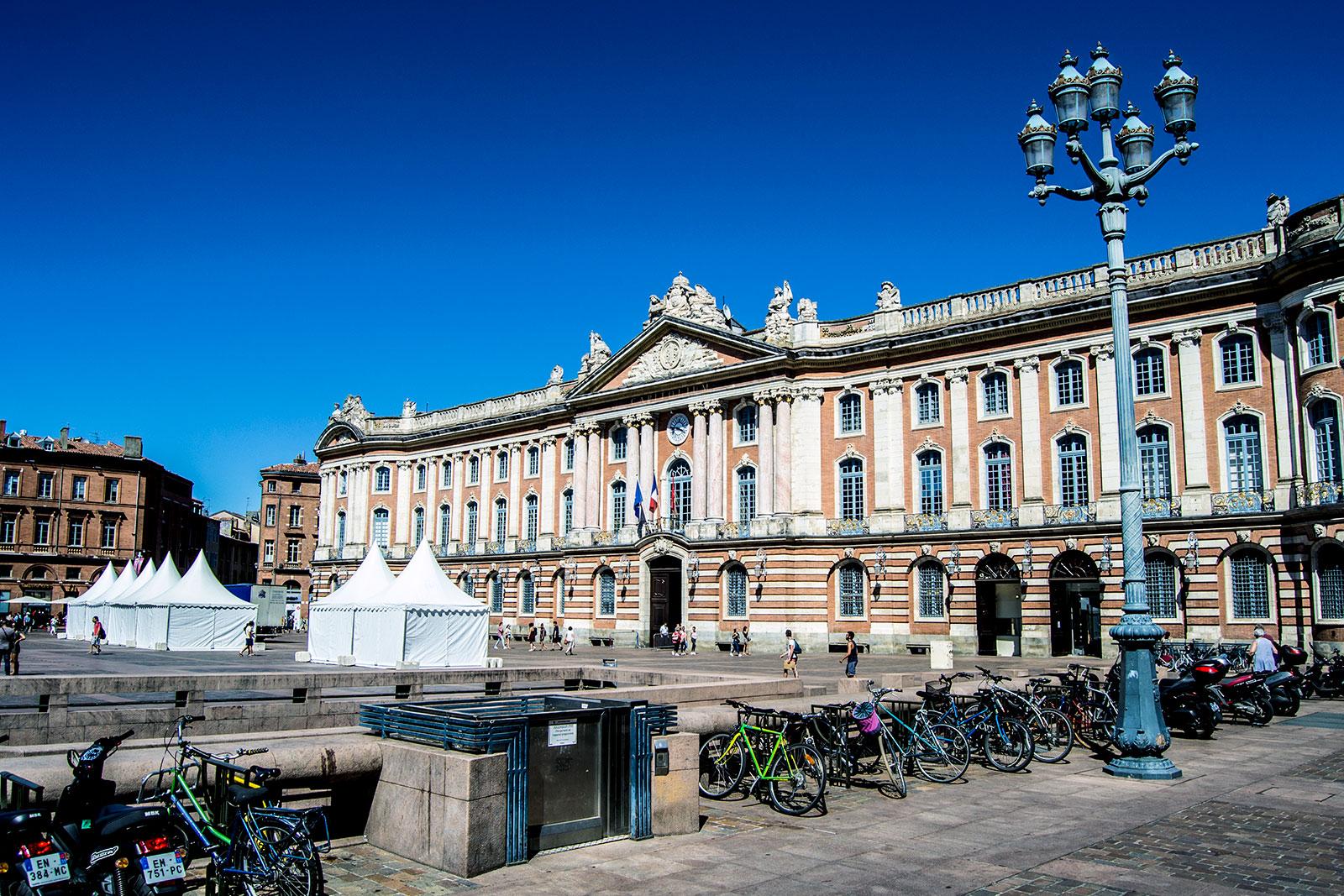 Vistas de la Place Du Capitole desde la terraza del restaurante Le Bibent - Toulouse