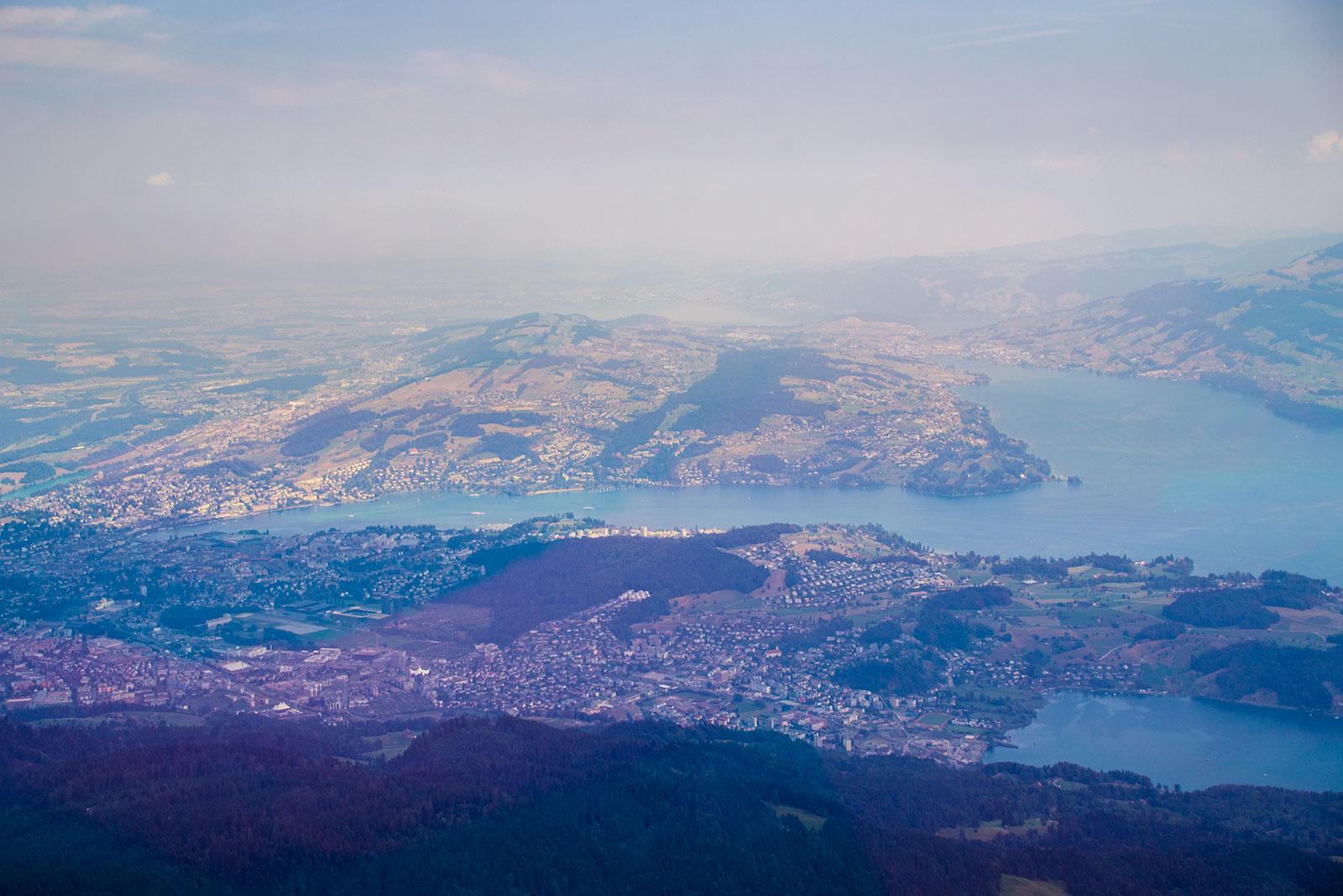 Vistas del lago de Lucerna desde el teleférico - teleférico Monte Pilatus