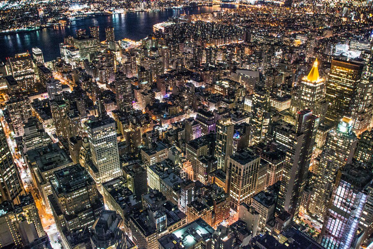 Vistas desde el Empire State Building por la noche - New York CityPass