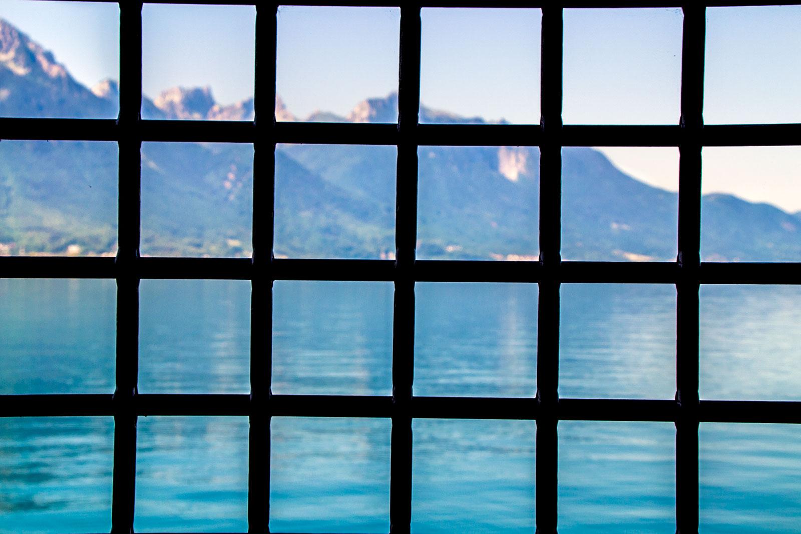 Vistas desde la prisión del castillo de Montreux