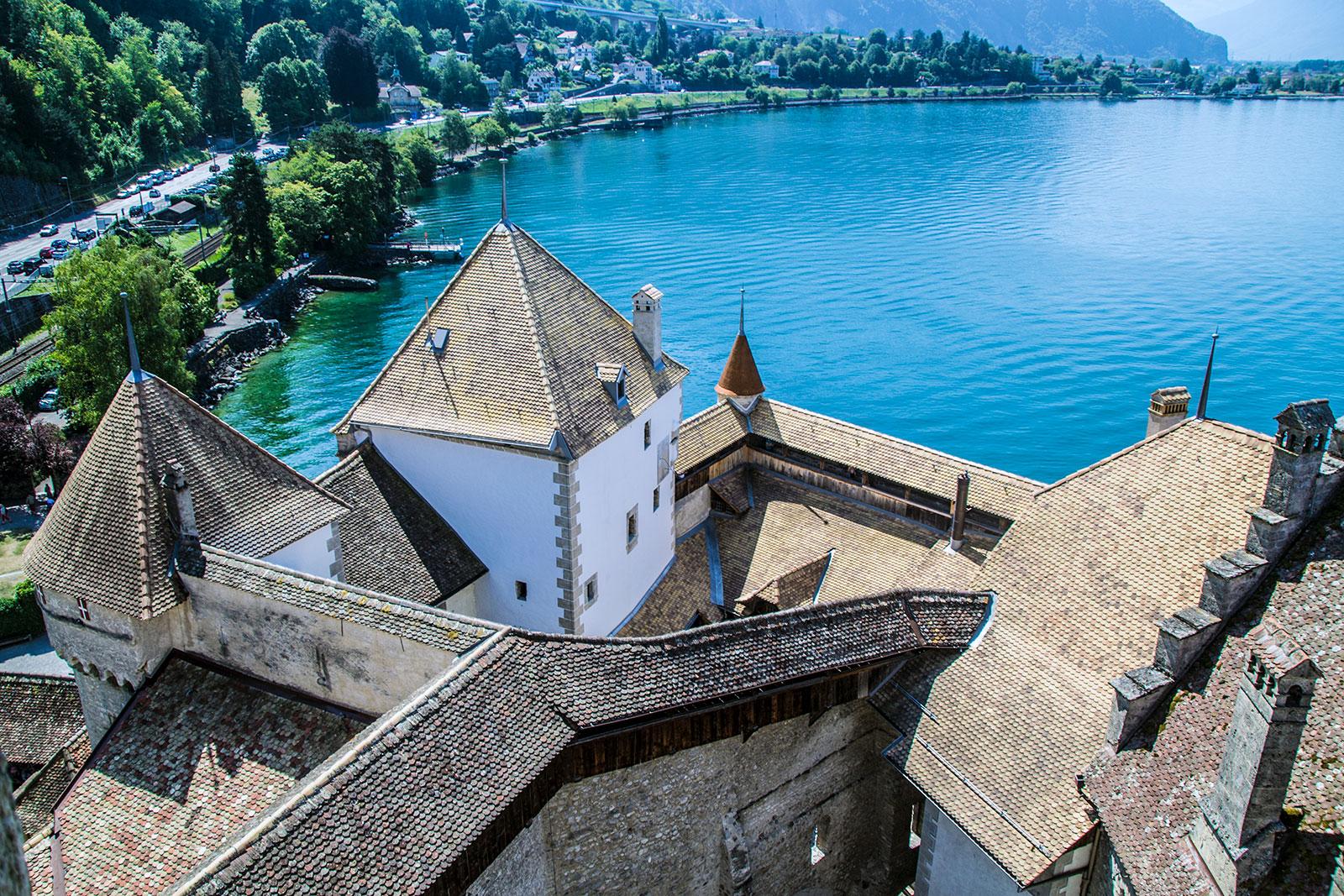 Vistas desde la torre del castillo de Montreux