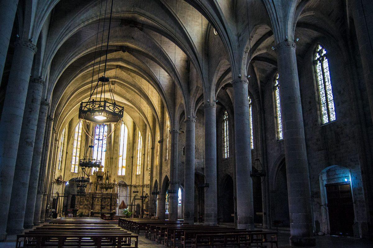 interior de la Iglesia de Cadaqués - regreso Costa Brava