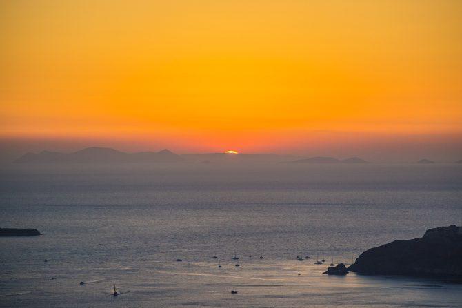 Atardecer desde Imerovigli en Santorini - mejores atardeceres de Santorini
