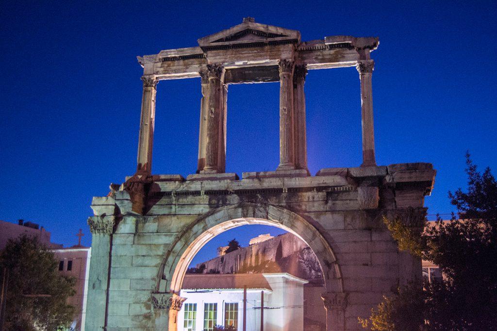 Arco de Adriano - Recorrido tour al atardecer en bicicleta won We-Bikes Atenas - formas alternativas de ver Atenas