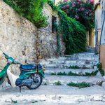 Preciosos recobecos del barrio de Plaka - Estadío Olímpico de Atenas - Athens Photo Tour.jpg