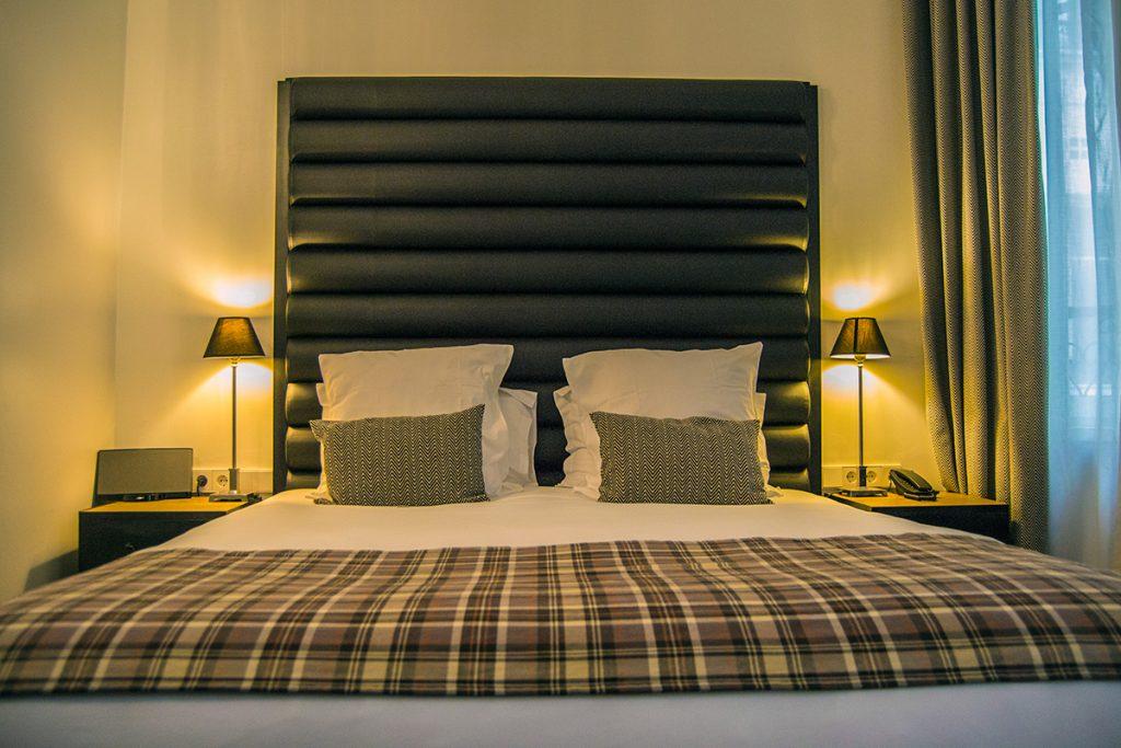 Dormitorio en el hotel Pulitzer París - Qué ver en Montmartre