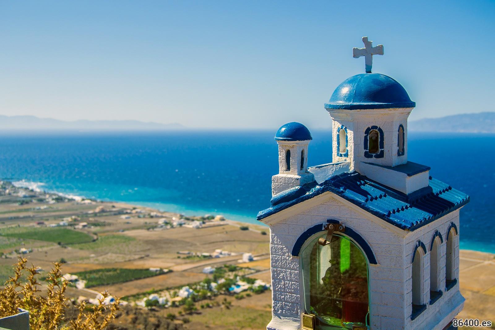 Santorini: transporte por los pueblos y buceo entre rocas volcánicas