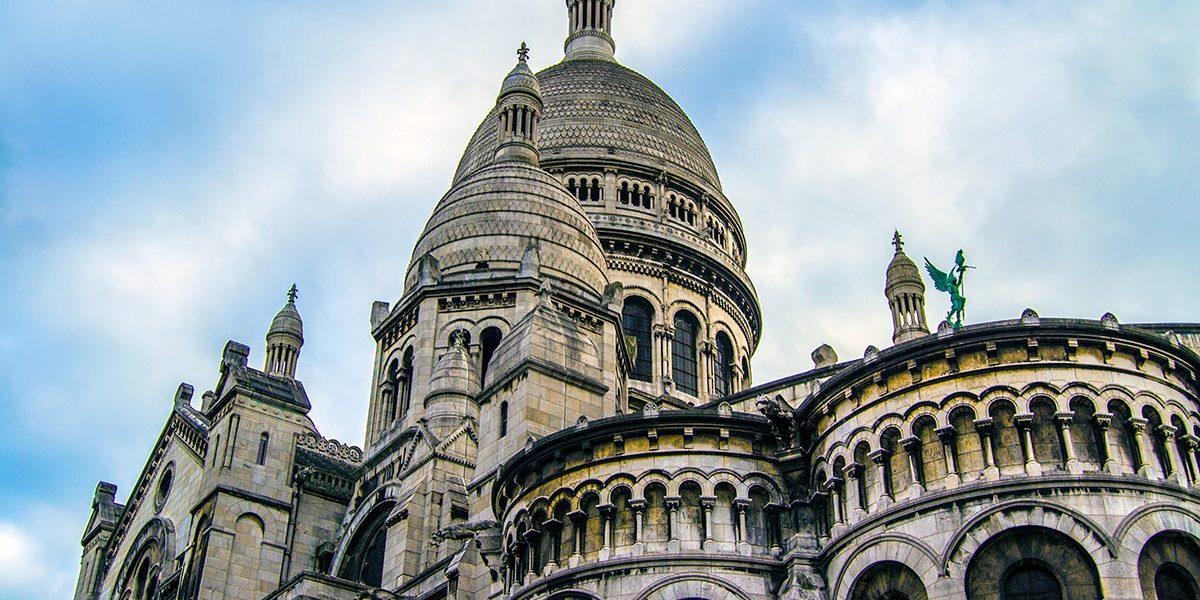 portada-vistas-de-la-basilica-del-sacre-cour-de-noche-que-ver-en-montmartre