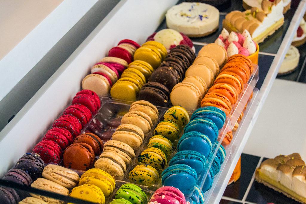 Exquisitos Macarons de muchísimos sabores - Comer en París