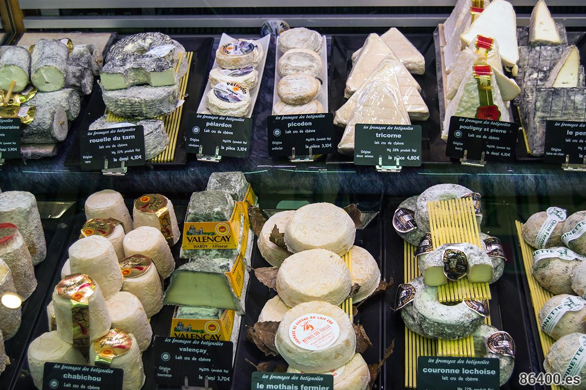 Gran variedad de quesos franceses - Comer en París