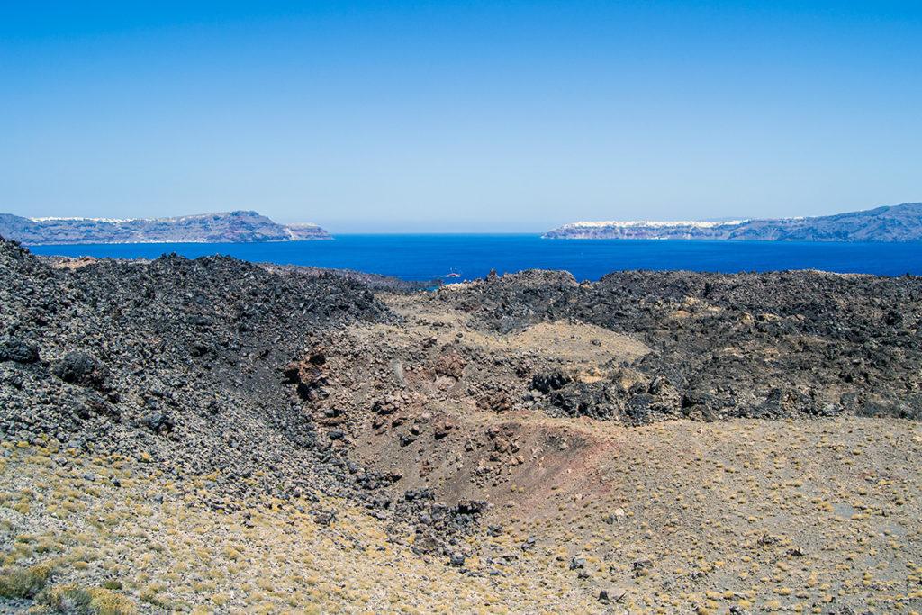Vistando la Caldera que dio origen a la forma actual isla de Santorini - Descubrir Santorini