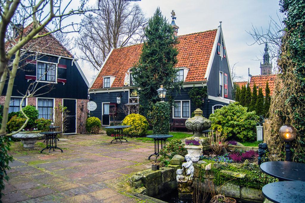 Casitas individuales en el hotel Fortuna de Edam – Edam y Volendam