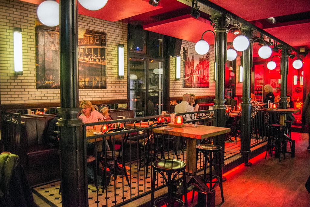 Restaurante Beuqz en el centro de Monnickendam 2