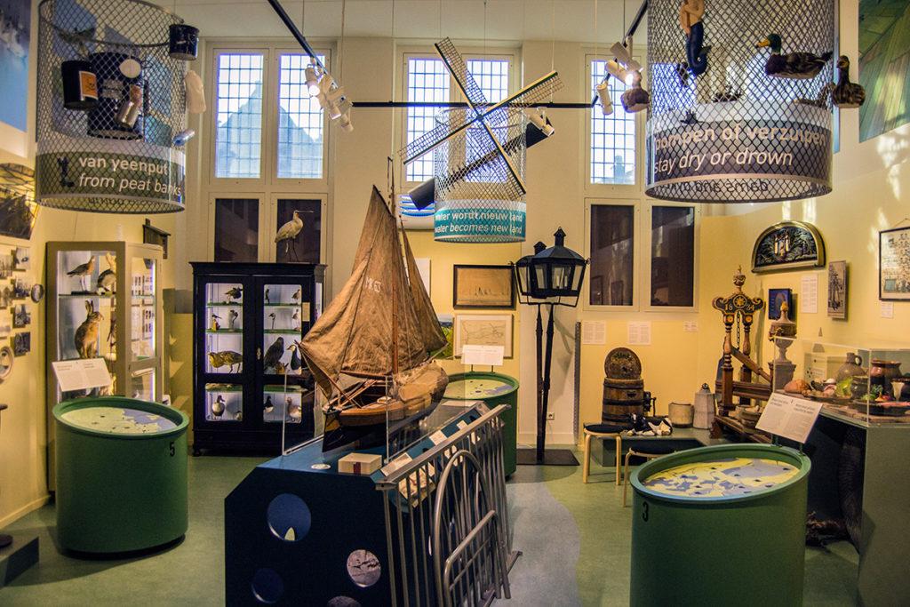 Sala del museo de Monnickendam muy relacionada con la navegación – Monnickendam y Marken