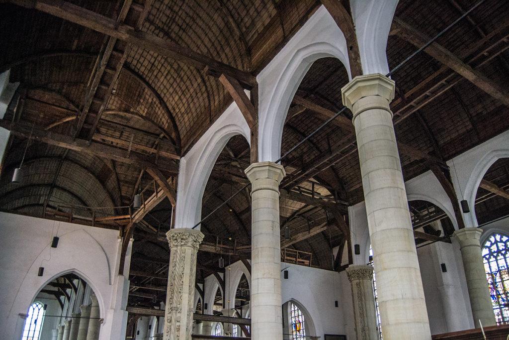 Techo desnudo del Grote Kerk de Edam – Edam y Volendam