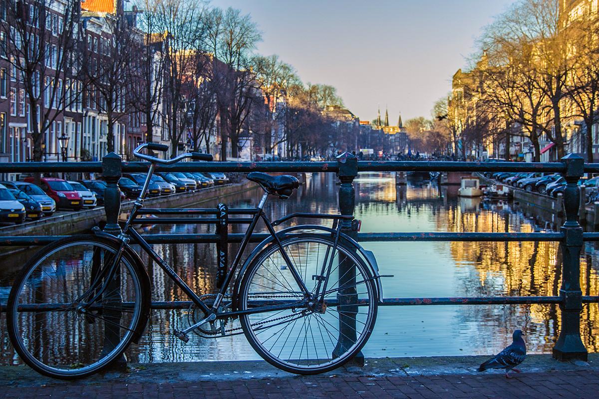 Bicis, puentes y canales de Amsterdam - Recomendaciones Amsterdam