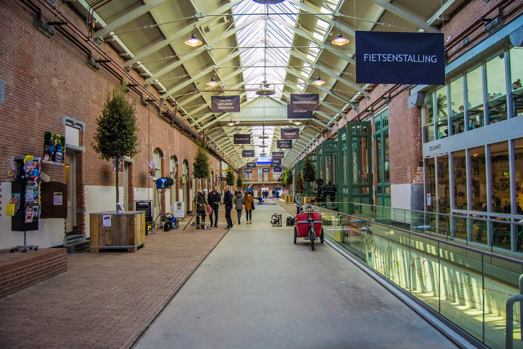Disfrutando en The Hallen - Disfrutar Amsterdam