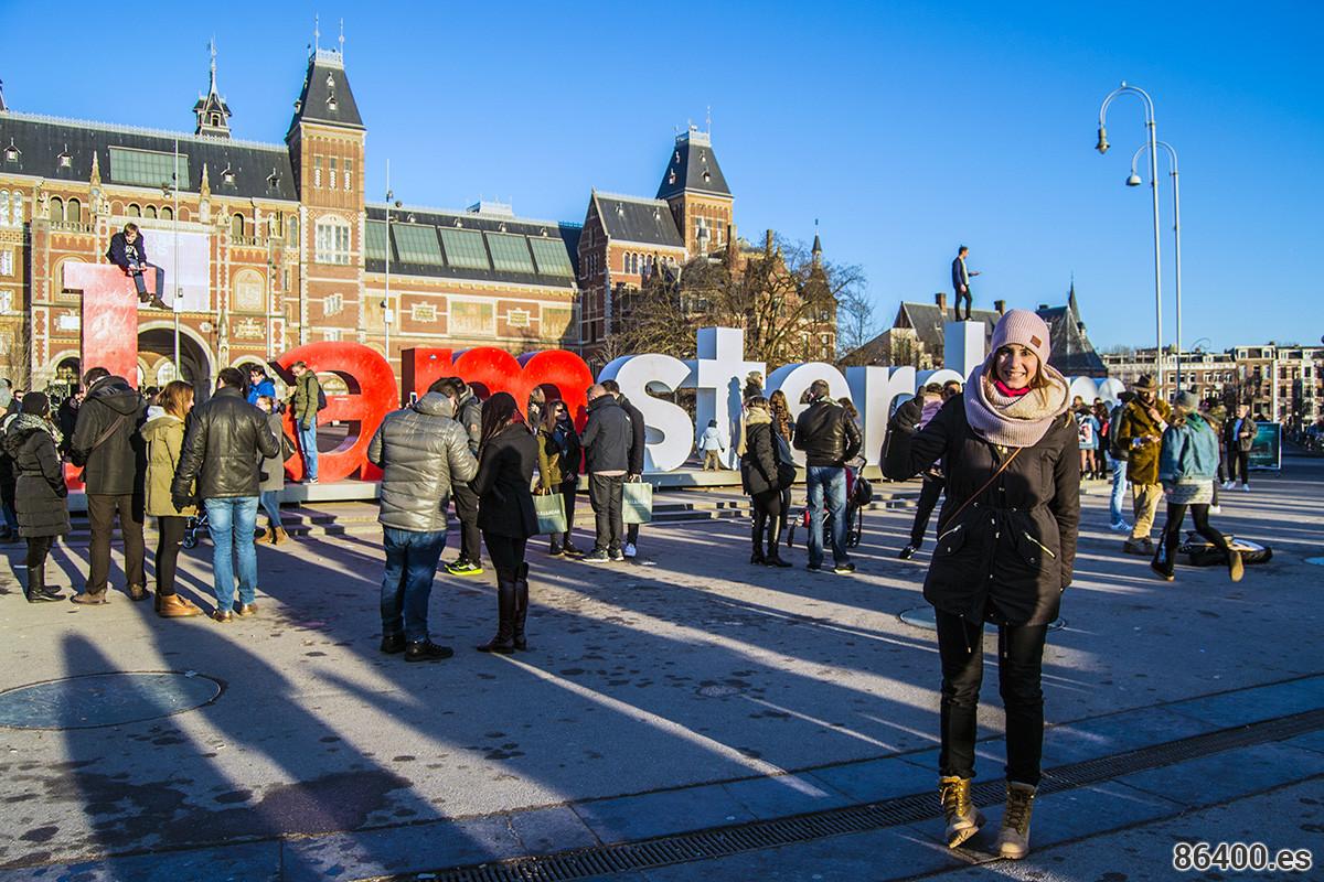 Nerea en el Museumplein – Recomendaciones Amsterdam