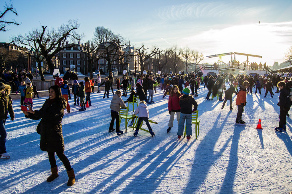 Pista patinaje sobre hielo en el Museumplein - Recomendaciones Amsterdam