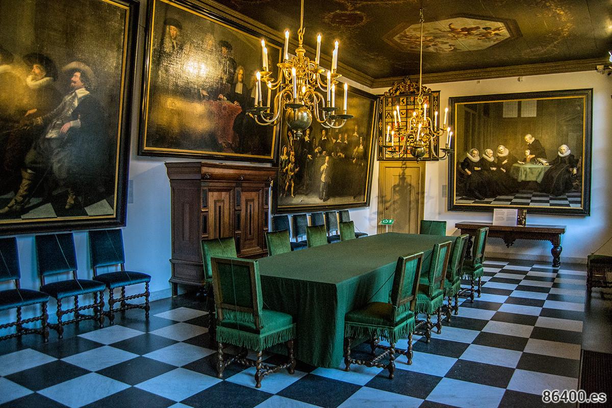 Sala de las regentes del museo de Amsterdam – Recomendaciones Amsterdam