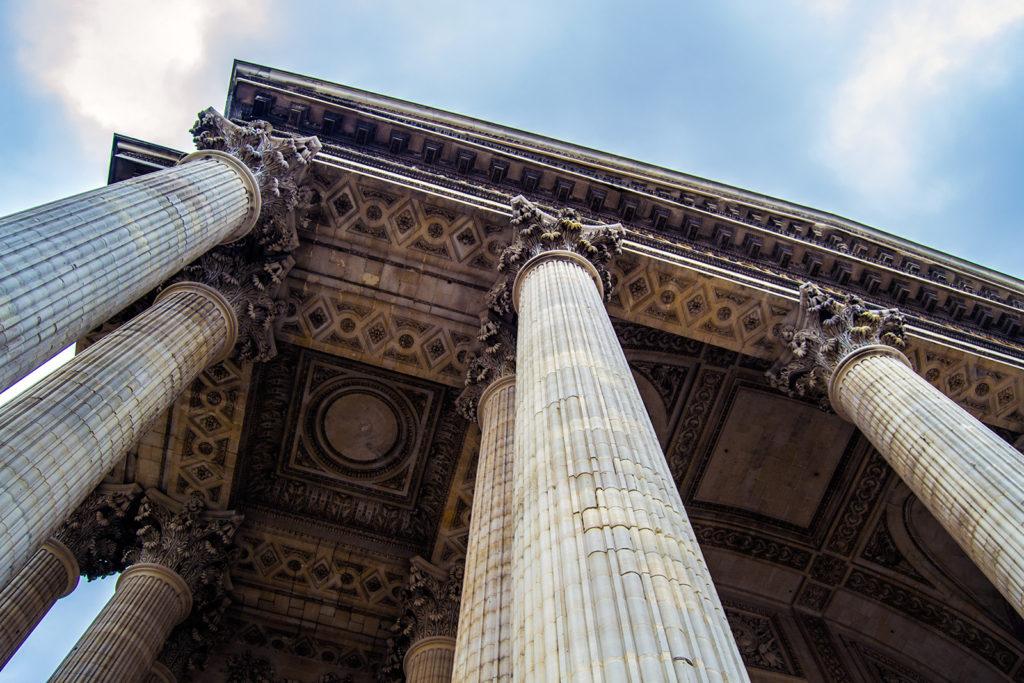 Detalles del edificio del Panteón de París – París Pass de dos días