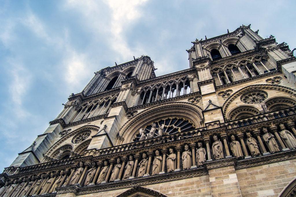 Fachada de Notre Dame – París Pass de dos días