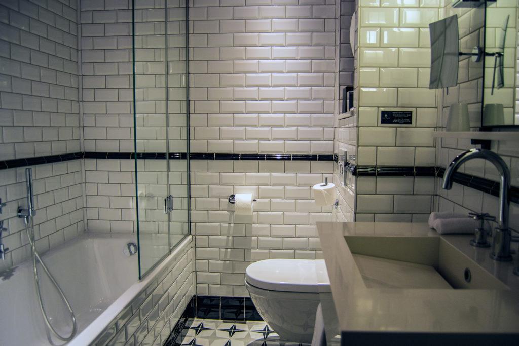 Baño del Hotel Adèle & Jules - Versalles desde París