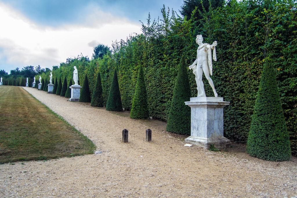 Estatuas en los Jardines de Versalles – Palacio de Versalles desde París