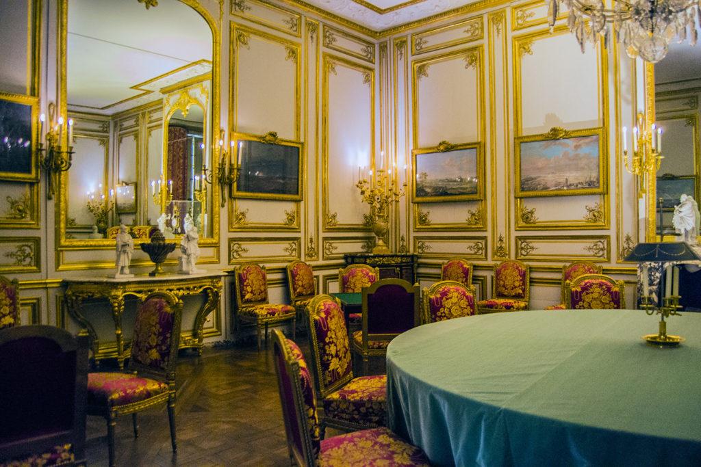 Sala de los juegos con aspecto de casino – Aposentos privados del Palacio de Versalles