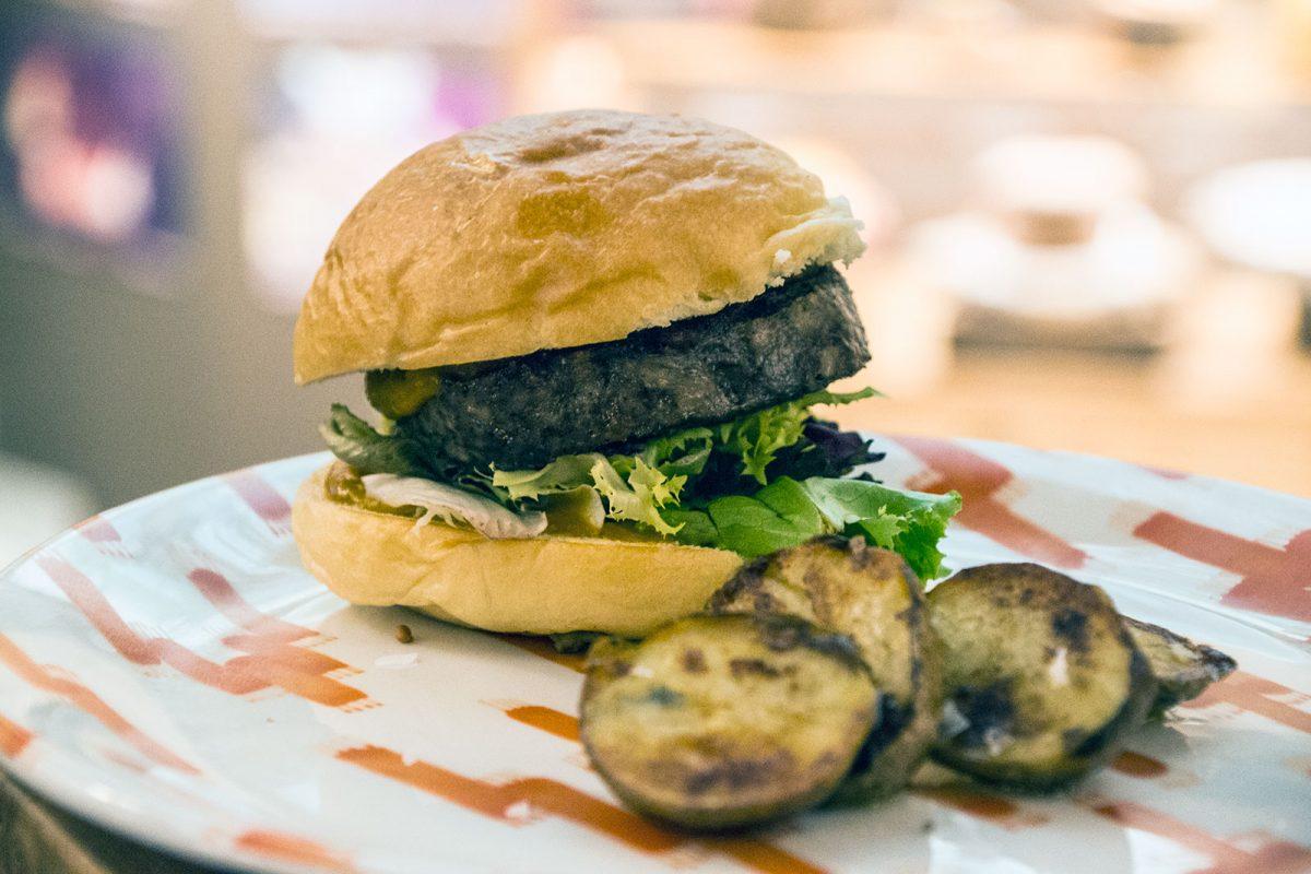 Hamburguesa camaiot restaurante Es Rebost - Restaurantes Mallorca